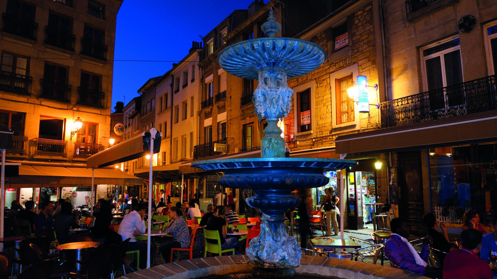 Boire un verre Rue Martyrs de Vingré sem_copyright_philippon