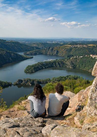 Vue_Gorges_de_la_Loire___plateau_de_la_danse-Saint-Etienne_Tourisme___Congres___Disybeltran-76016-1600px