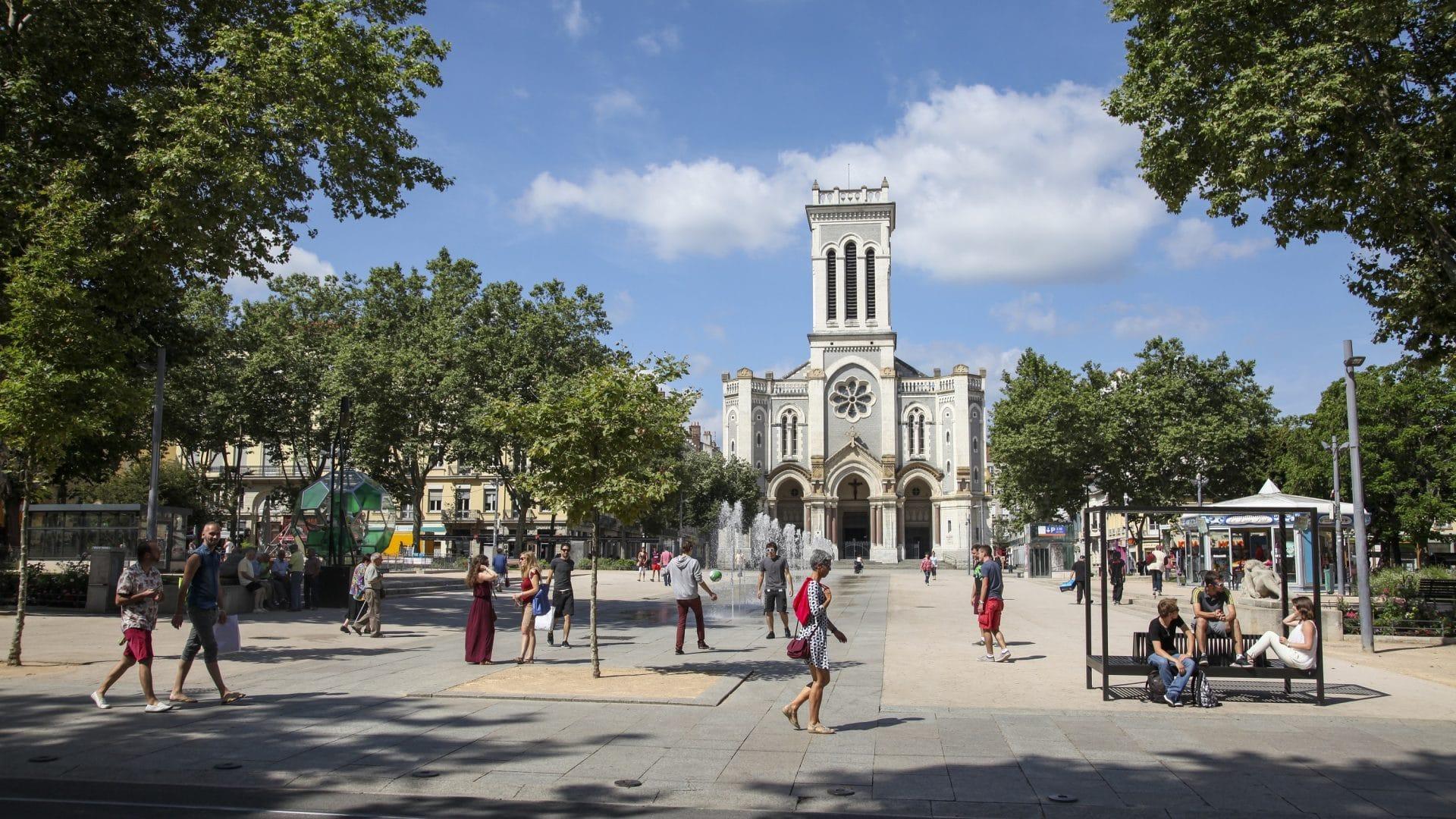 Place_Jean_Jaures-Saint-Etienne_Tourisme___Congres___Magali_Stora-65404