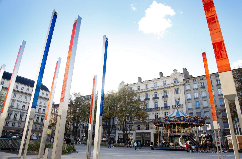 Place_Hotel_de_ville___Mats_de_verre-Saint-Etienne_Tourisme___Congres___Magali_Stora-64631