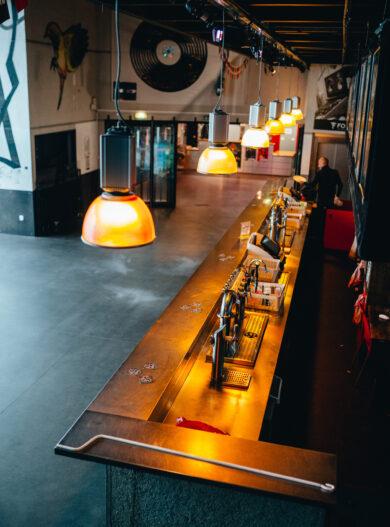 Julien_Tamara (4) Le Fil bar