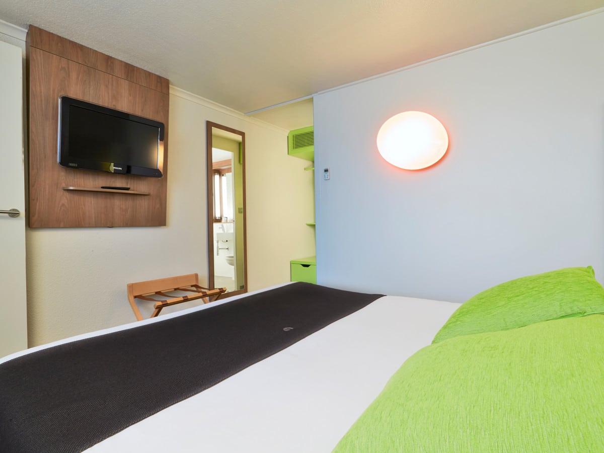 Hotel_Campanile_Saint-Etienne_Centre_-_Villars___chambre-Faire_figurer_le_nom_de_la_structure-9454-1200px