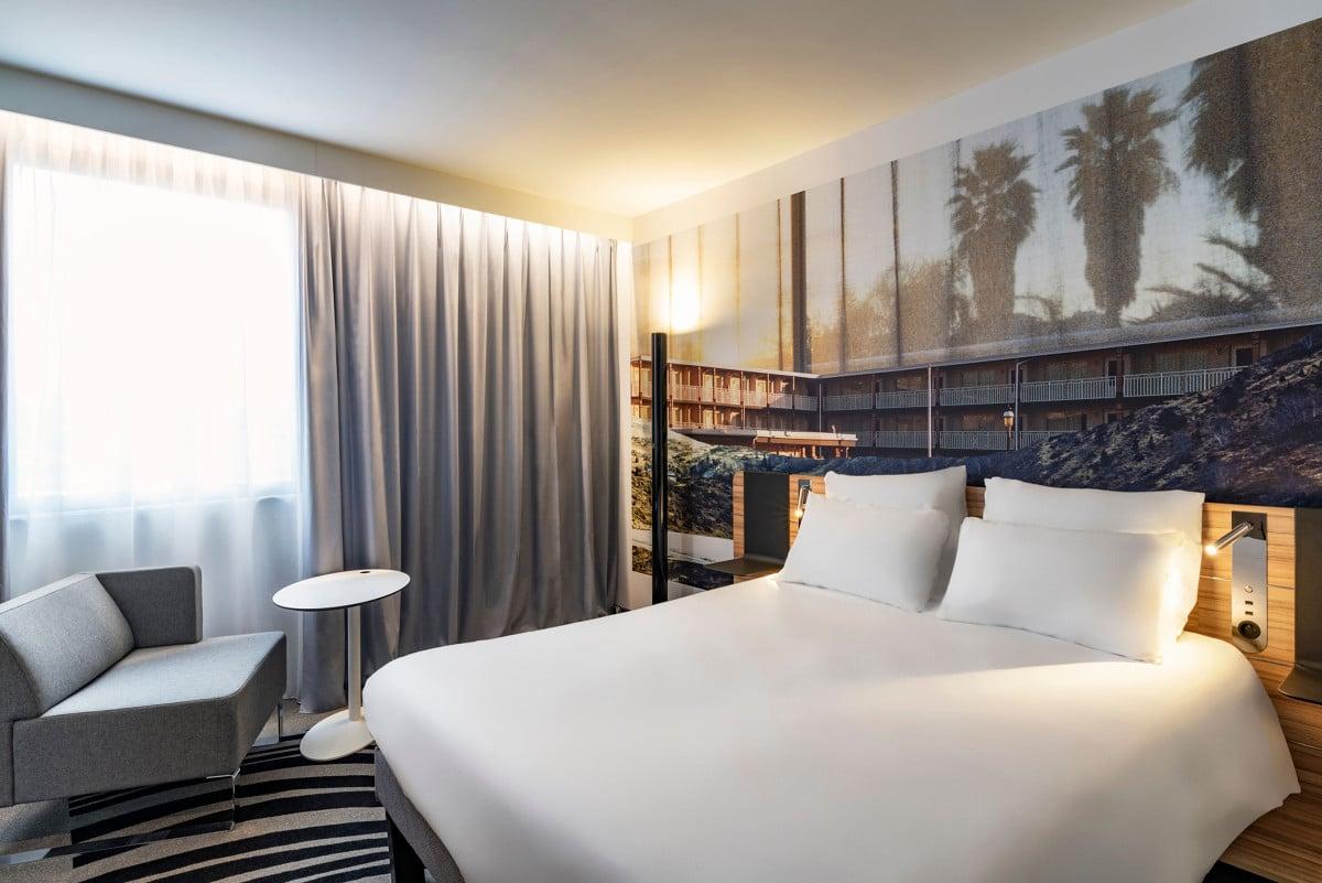 Hotel_Novotel_Saint-Etienne_Centre_Gare_Chateaucreux___chambre-Inscrire_la_legende-78062-1200px