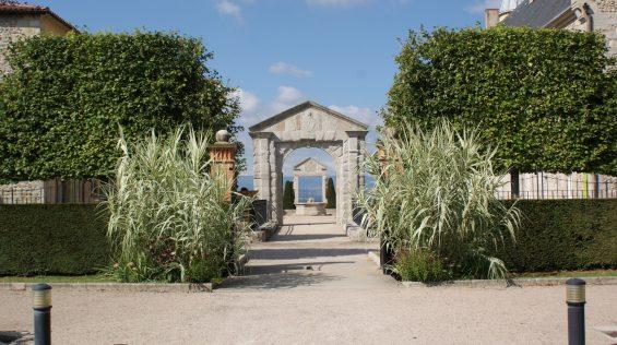 Chateau_de_Boutheon_