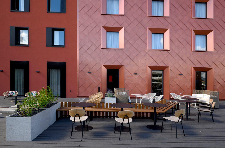 Hotel_Novotel_Saint-Etienne_Centre_Gare_Chateaucreux___terrasse-Inscrire_la_legende-78026-1600px